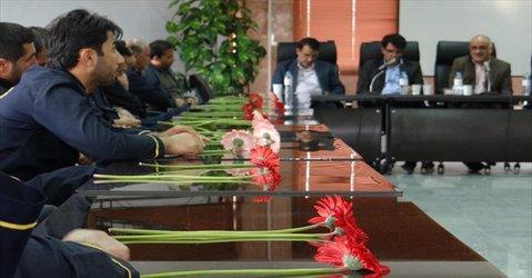 رئیس دانشگاه آزاد اصفهان:  فعالیت و برنامهریزی در هر سازمانی با تلاش کارگران محقق میشود - ۱۳۹۸/۰۲/۱۷