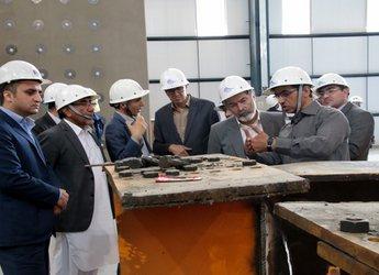 بازدید اعضای کمیسیون عمران مجلس از آزمایشگاه پیشرفته مهندسی زلزله درسوهانک