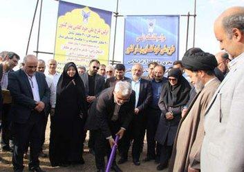 مراسم کلنگزنی طرح ملی خودکفایی بذر کشور با حضور دکتر محمدمهدی طهرانچی رئیس دانشگاه آزاد اسلامی مبارکه – مجلسی برگزار شد.