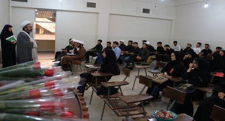 مسئولین فرهنگی دانشگاه مفید با حضور در کلاسهای دانشجویان ورودی جدید، سال تحصیلی جدید را تبریک گفتند.