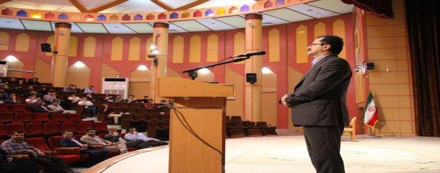 ریاست دانشگاه آزاد اسلامی لاهیجان: کسی در دانشگاه آزاد اسلامی بهدلیل مشکلات مالی از تحصیل محروم نمیشود