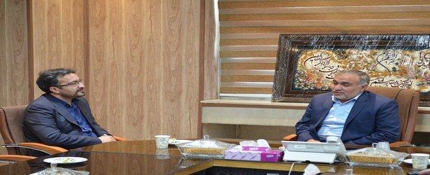 در دیدار رئیس واحد خمینیشهر با فرماندار مطرح شد؛  لزوم تعامل و همافزایی دانشگاه و جامعه/ ظرفیت علمی و پژوهشی دانشگاه در خدمت مردم است