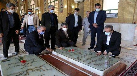 مدیران و کارکنان وزارت جهاد کشاورزی با آرمانهای امام راحل تجدید میثاق کردند