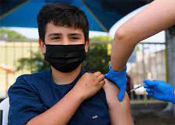 معاون بهداشتی شبکه بهداشت و درمان شهرستان تنگستان: ۴۹۰۰دانشآموز تنگستانی واکسینه شدند
