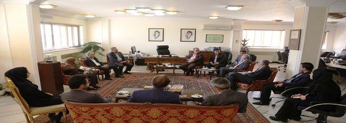 در دیدار معاون وزیر صنعت، معدن و تجارت با استاندار فارس مطرح شد:زمینه بهرهگیری از معادن فارس با شناسنامهدار کردن آنها فراهم شود
