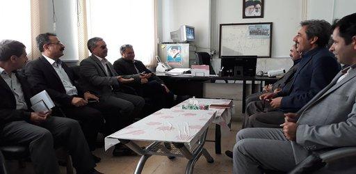 معاونان سازمان با حضور در مرکز تحقیقات و آموزش کشاورزی و منابع طبیعی کردستان، فعالیتهای پژوهشی، آموزشی و ترویجی  این  مرکز را مورد بررسی قرار دادند